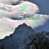 Overskyet fjellandskap
